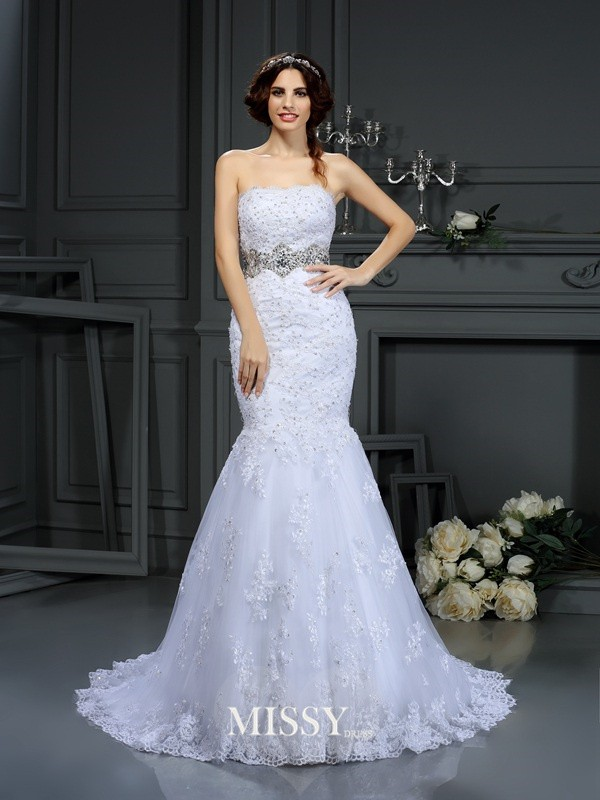 Trumpet/Mermaid Strapless Beading Lace Court Train Wedding Dresses