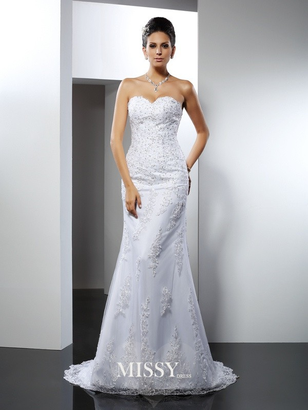 Trumpet/Mermaid Sweetheart Lace Court Train Satin Wedding Dresses