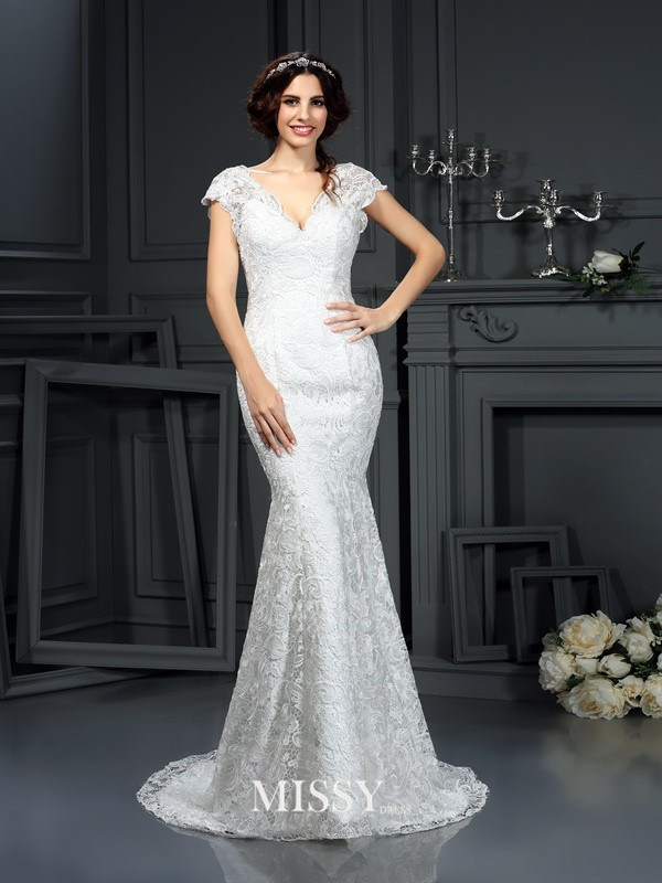 Trumpet/Mermaid V-neck Lace Court Train Wedding Dresses