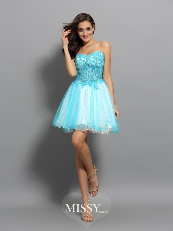 A-Line/Princess Sleeveless Satin Sweetheart Short/Mini Applique Beading Gowns