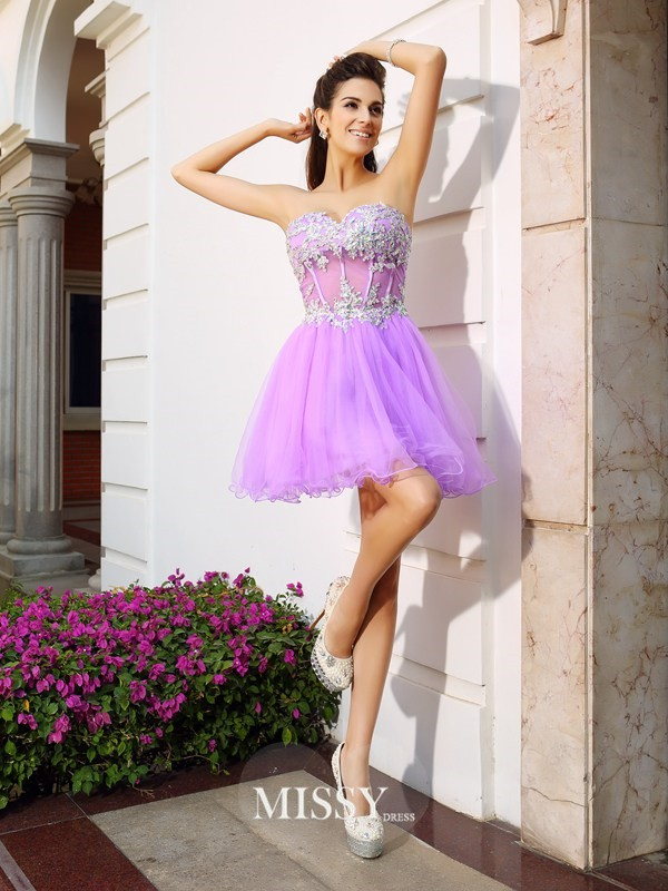 A-Line/Princess Organza Sleeveless Sweetheart Short/Mini Applique Beading Gowns