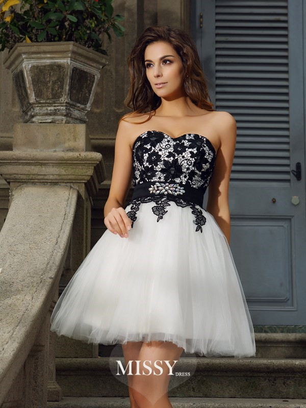 A-Line/Princess Sleeveless Sweetheart Tulle Applique Short/Mini Gowns