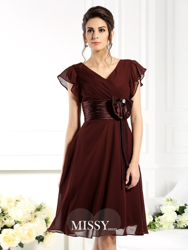 A-Line/Princess V-neck Short Sleeves Bowknot Knee-Length Chiffon Bridesmaid Gowns