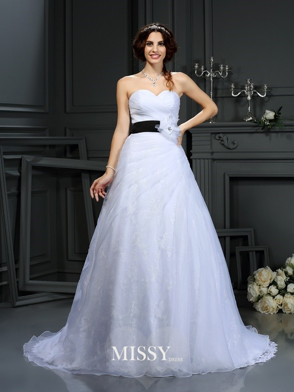 A-Line/Princess Sweetheart Sash/Ribbon/Belt Satin Court Train Wedding Dresses