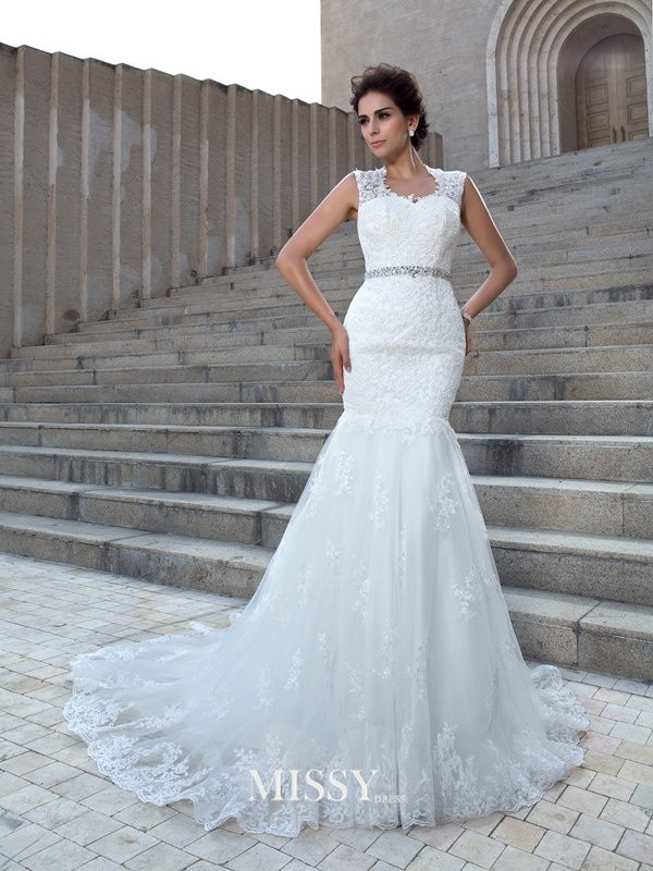 Trumpet/Mermaid V-neck Sleeveless Applique Chapel Train Lace Wedding Dress