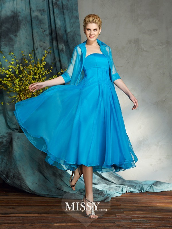A-Line/Princess Strapless Sleeveless Organza Knee-Length Mother of the Groom Dresses