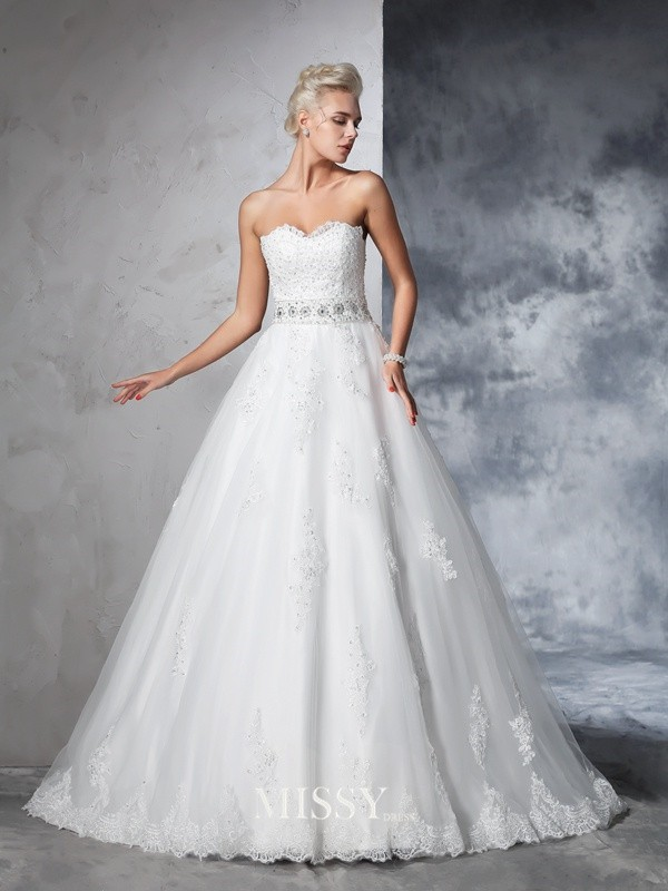 Ball Gown Sweetheart Sleeveless Net Applique Chapel Train Bridal Wedding Dresses