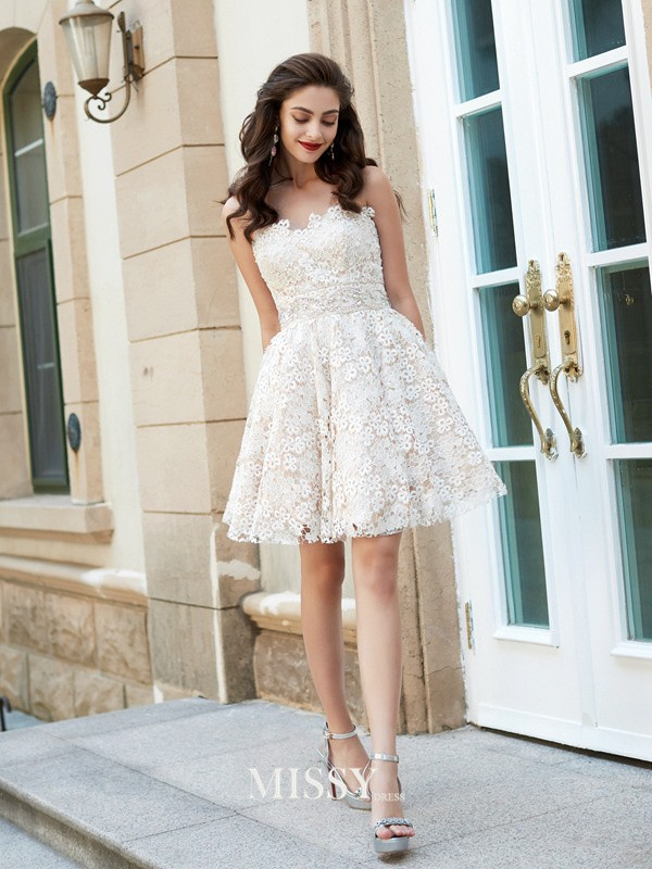 A-Line/Princess Sweetheart Rhinestone Short/Mini Lace Dresses