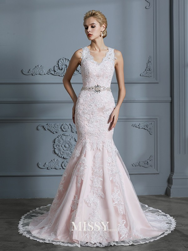 Trumpet/Mermaid V-neck Applique Tulle Court Train Wedding Dresses