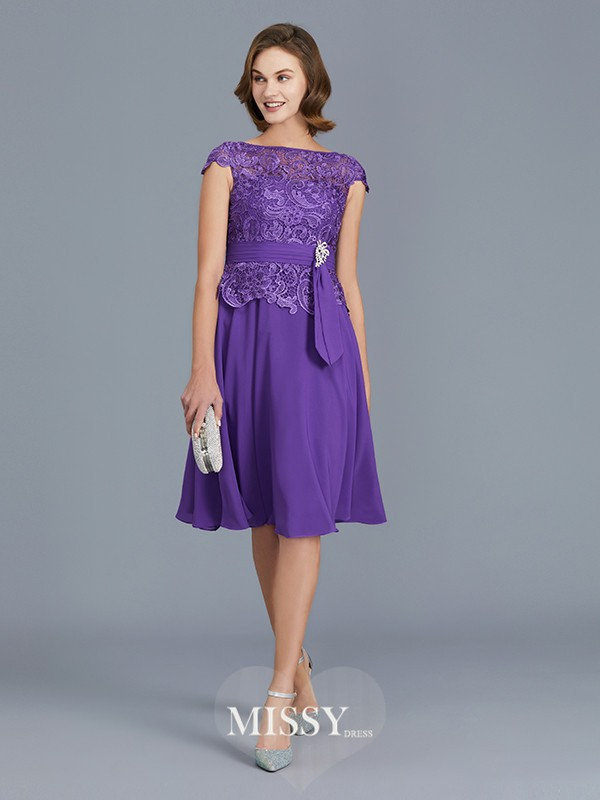 A-Line/Princess Bateau Beading Knee-Length Chiffon Mother of the Bride Dresses