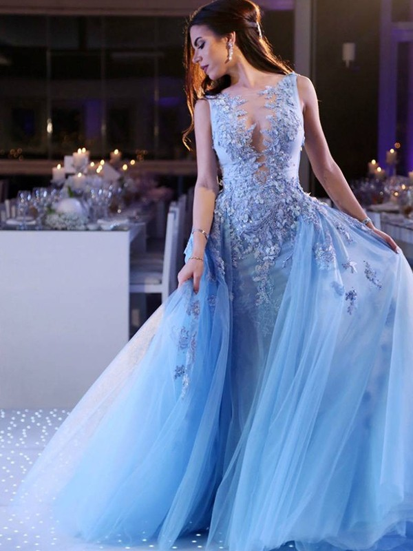 Ball Gown Scoop Sweep/Brush Train Applique Tulle Dresses
