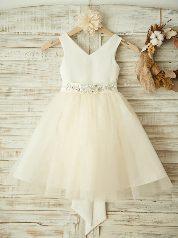 A-Line/Princess V-neck Knee-Length Bowknot Tulle Flower Girl Dresses
