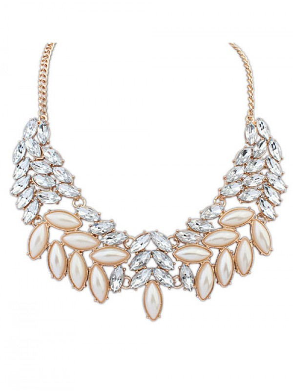Occident Boutique Pearls Temperament Necklace