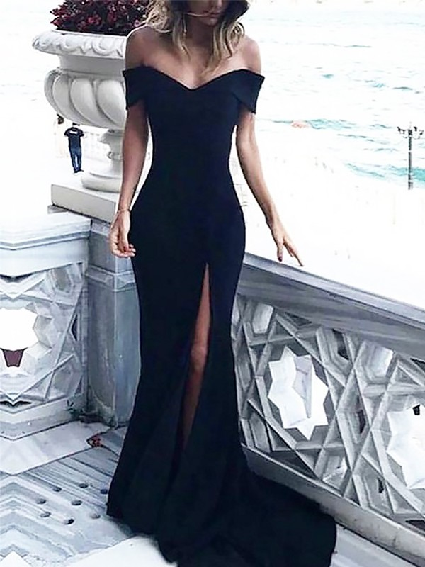 Sheath/Column Off-the-Shoulder Court Train Ruched Spandex Dresses