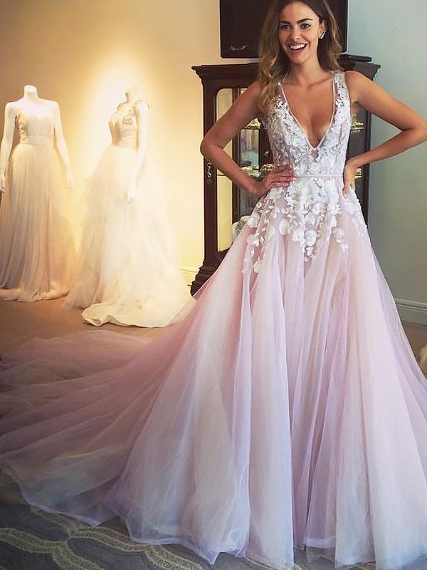 A-Line/Princess V-neck Applique Sweep/Brush Train Tulle Dresses