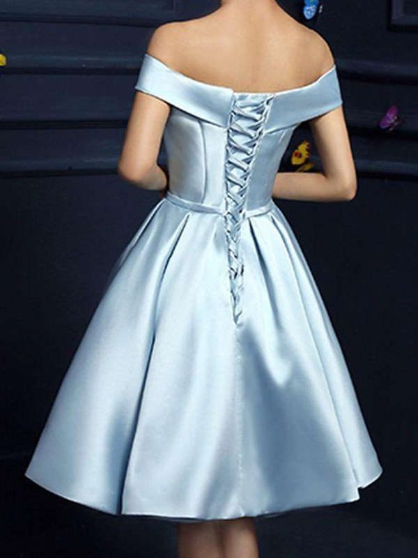 A-Line/Princess Off-the-Shoulder Knee-Length Bowknot Satin Dresses