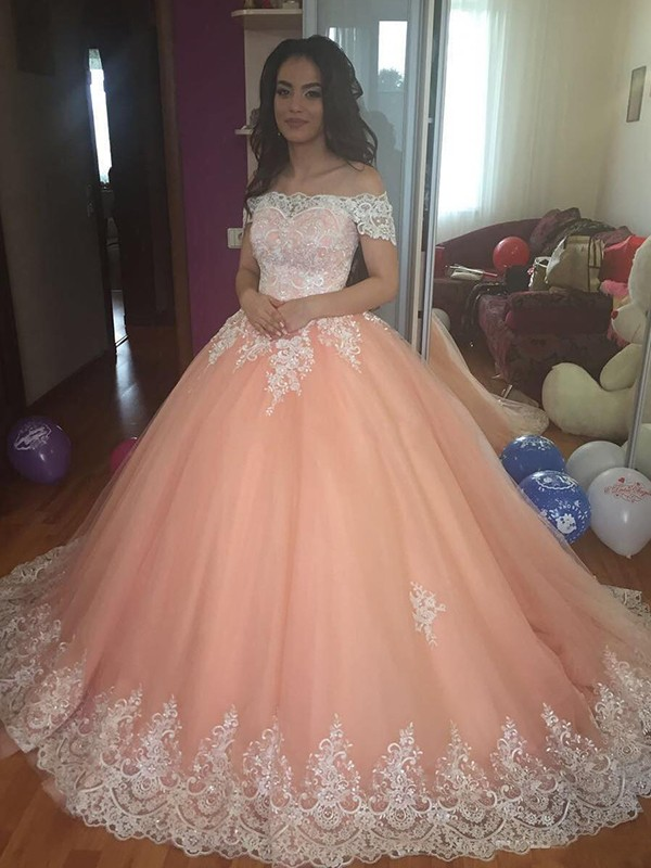 Ball Gown Off-the-Shoulder Court Train Lace Tulle Dresses