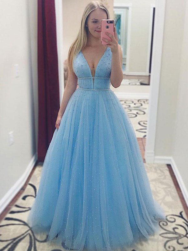 A-Line/Princess V-neck Floor-Length Pearls Tulle Dresses