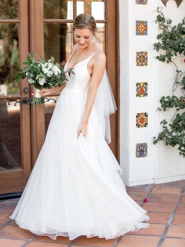 A-Line/Princess V-neck Sleeveless Sweep/Brush Train Tulle Wedding Dresses