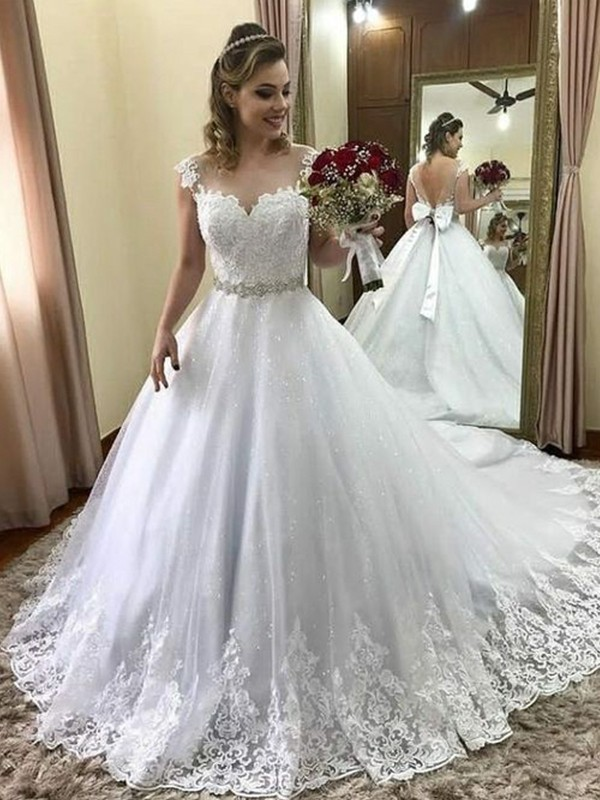 Ball Gown Sweetheart Sleeveless Court Train Tulle Wedding Dresses