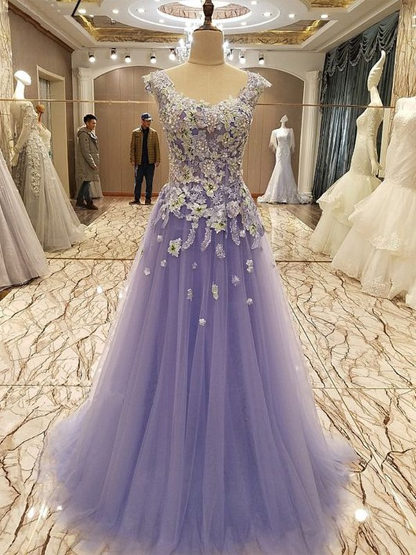 A-Line/Princess Scoop Floor-Length Applique Tulle Dresses