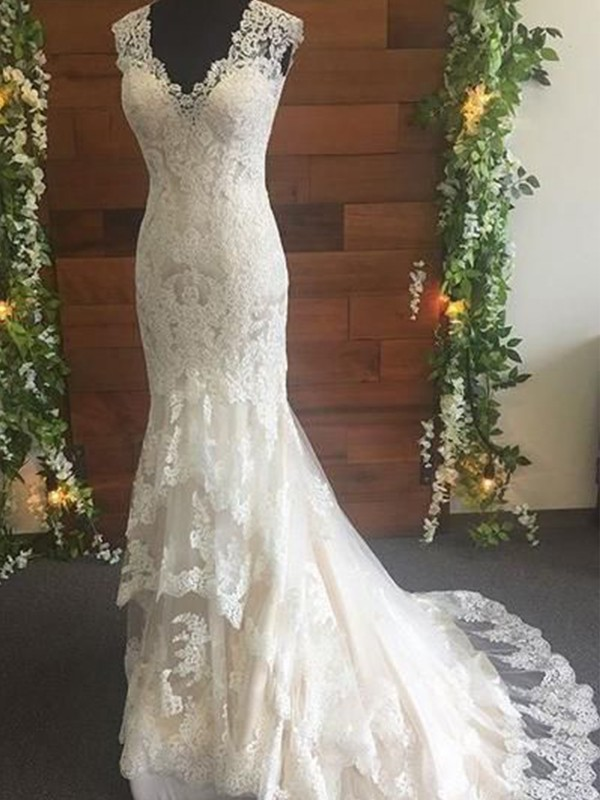 Trumpet/Mermaid V-neck Sweep/Brush Train Lace Tulle Wedding Dresses