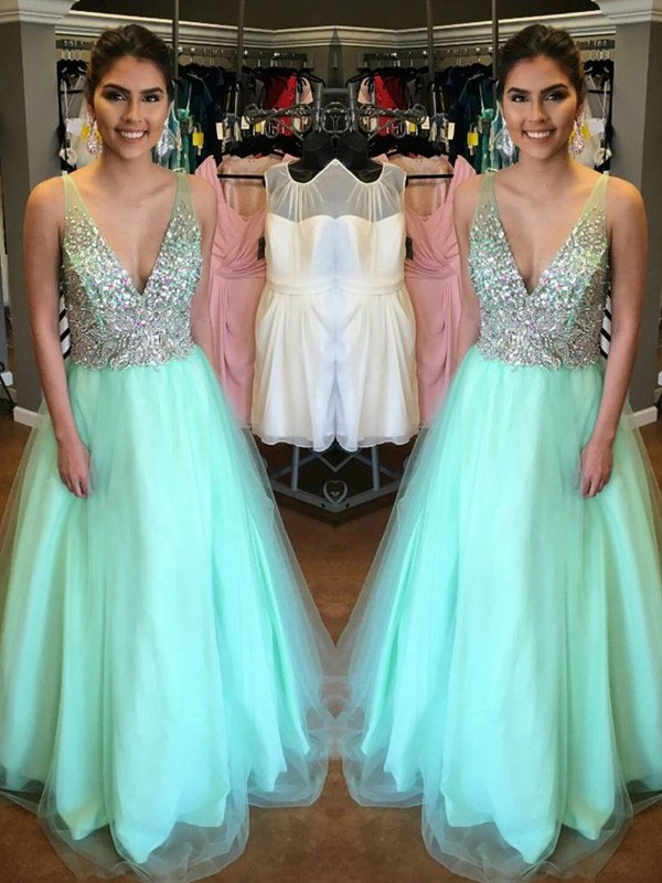 A-Line/Princess V-Neck Sleeveless Long Tulle Dresses With Beading