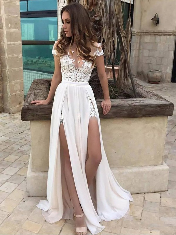 A-Line V-neck Sweep/Brush Train Sleeveless Chiffon Wedding Dresses With Lace