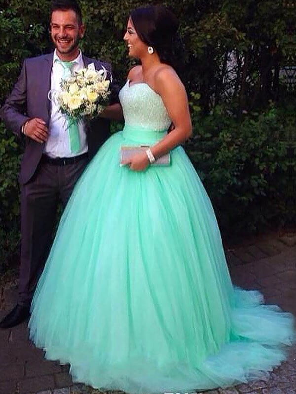 Ball Gown Sleeveless Sweetheart Tulle Sweep/Brush Train Plus Size Dress With Beading