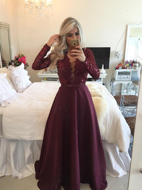 A-Line/Princess Scoop Long Sleeves Satin Dresses With Sequins
