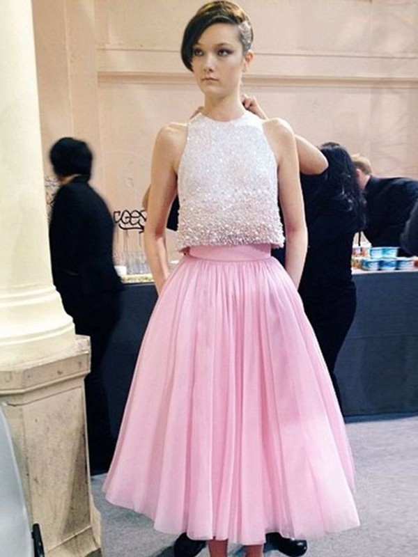 A-Line/Princess Scoop Sleeveless Tea-Length Tulle Dresses With Beading