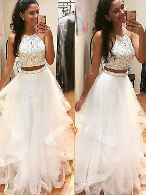A-Line/Princess Sleeveless Halter Long Tulle Dresses With Beading