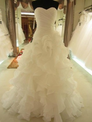 Ball Gown Sweetheart Organza Sleeveless Court Train Wedding Dresses With Ruffles