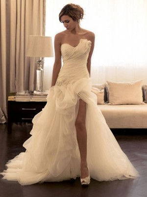 Ball Gown Organza Sweetheart Sleeveless Sweep/Brush Train Wedding Dresses With Beading