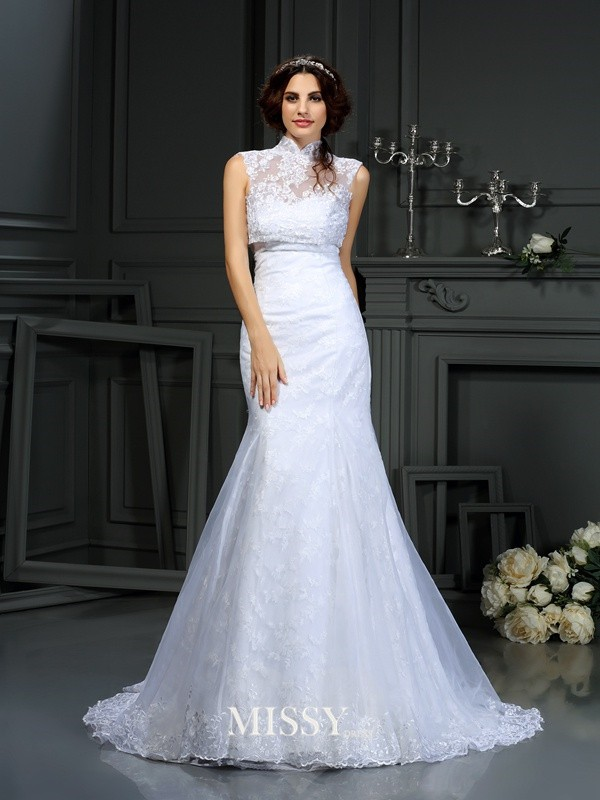 Trumpet/Mermaid Sweetheart Lace Court Train Satin Bridal Dresses