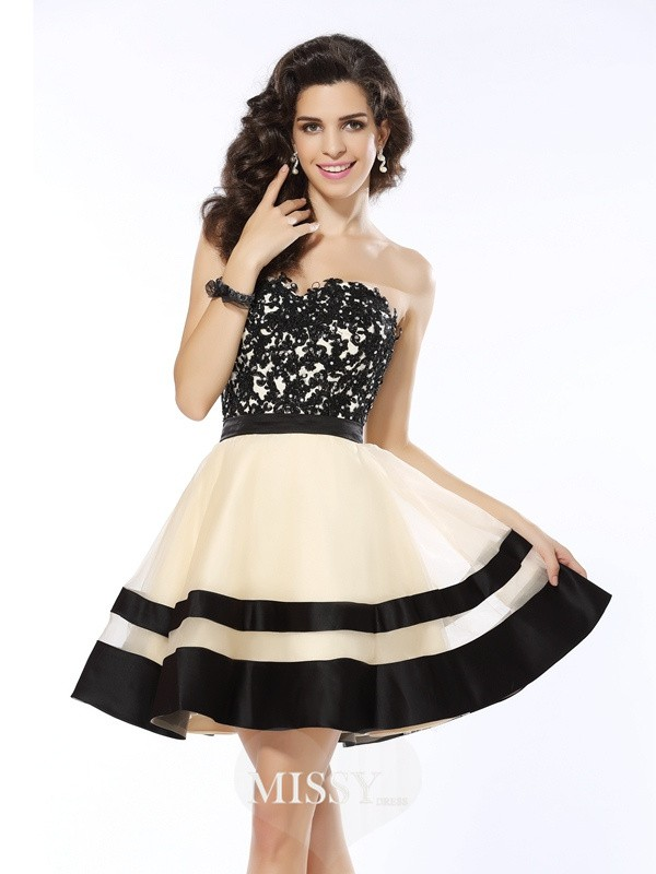 A-Line/Princess Sweetheart Sleeveless Applique Short/Mini Organza Gowns