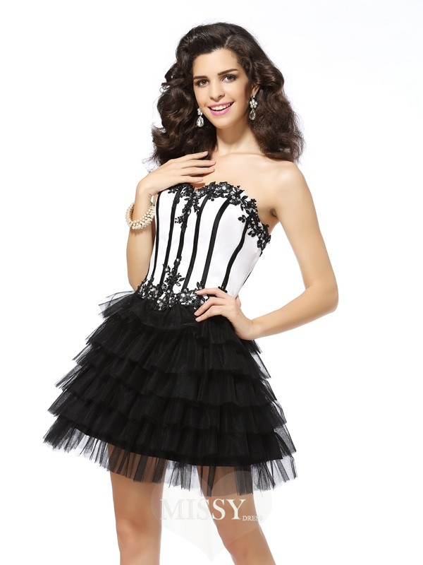 A-Line/Princess Sweetheart Tulle Applique Sleeveless Short/Mini Gowns