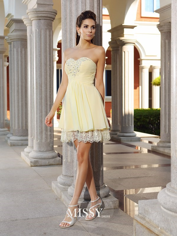 A-Line/Princess Sweetheart Chiffon Sleeveless Short/Mini Beading Gowns