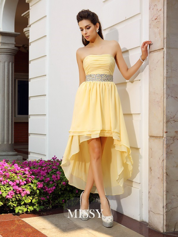 A-Line/Princess Sleeveless Chiffon Strapless Asymmetrical Beading Gowns