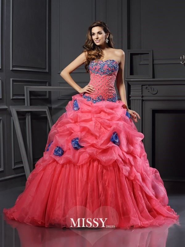Ball Gown Sweetheart Beading Chapel Train Organza Dresses