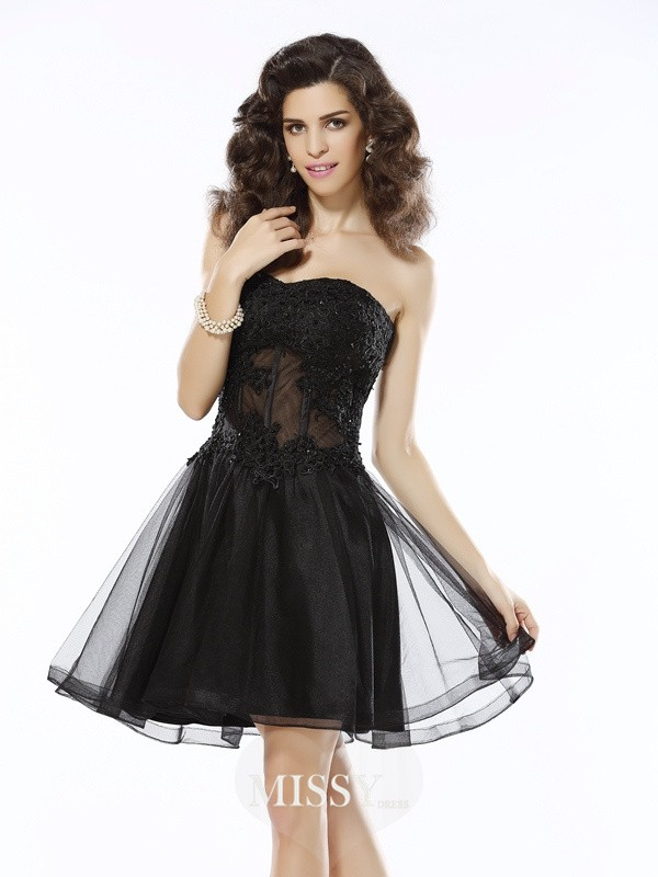A-Line/Princess Sweetheart Sleeveless Short/Mini Satin Applique Gowns