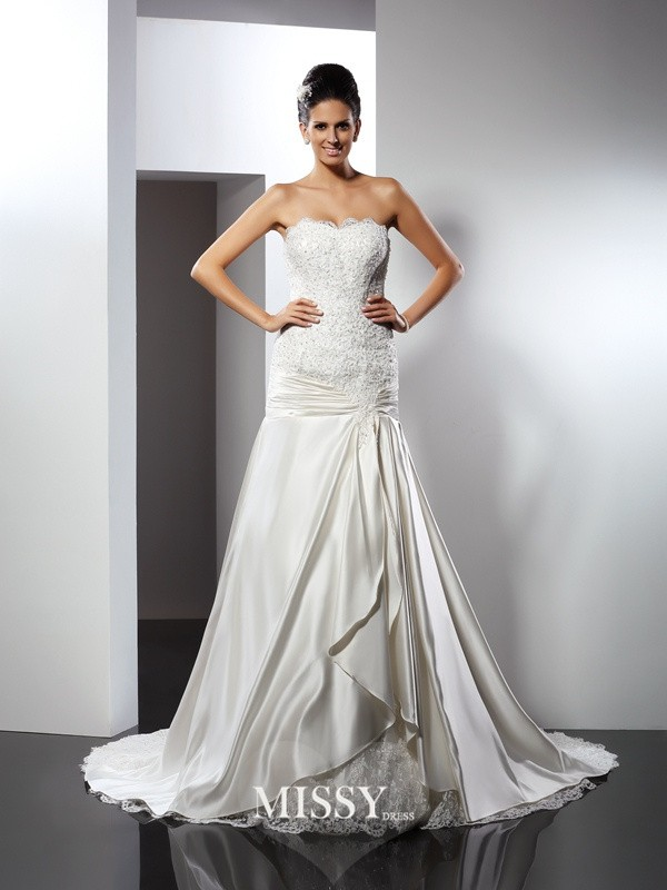 Trumpet/Mermaid Sweetheart Applique Chapel Train Satin Wedding Dresses