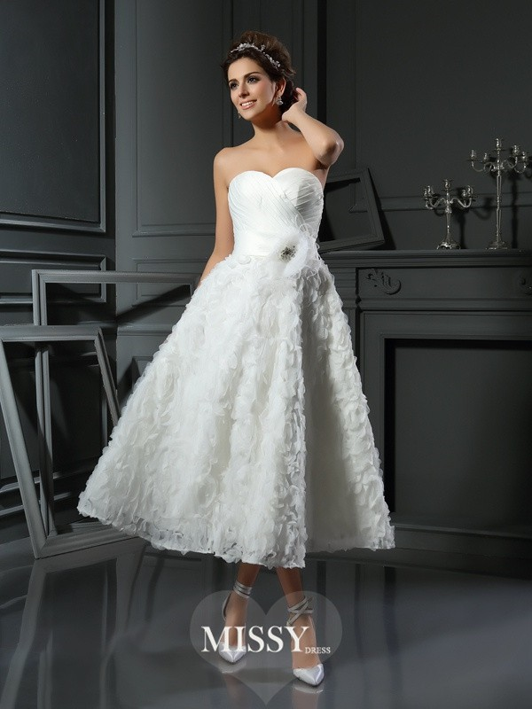 A-Line/Princess Sweetheart Satin Tea-Length Bowknot Wedding Dresses