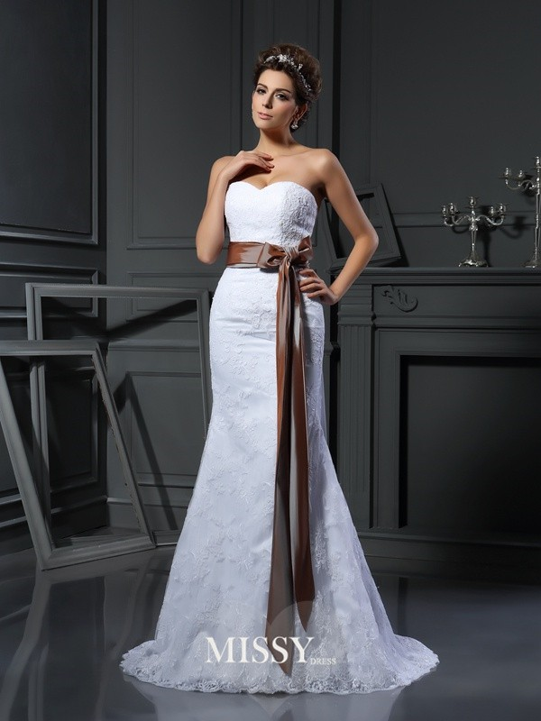 Sheath/Column Sweetheart Applique Net Court Train Wedding Dresses