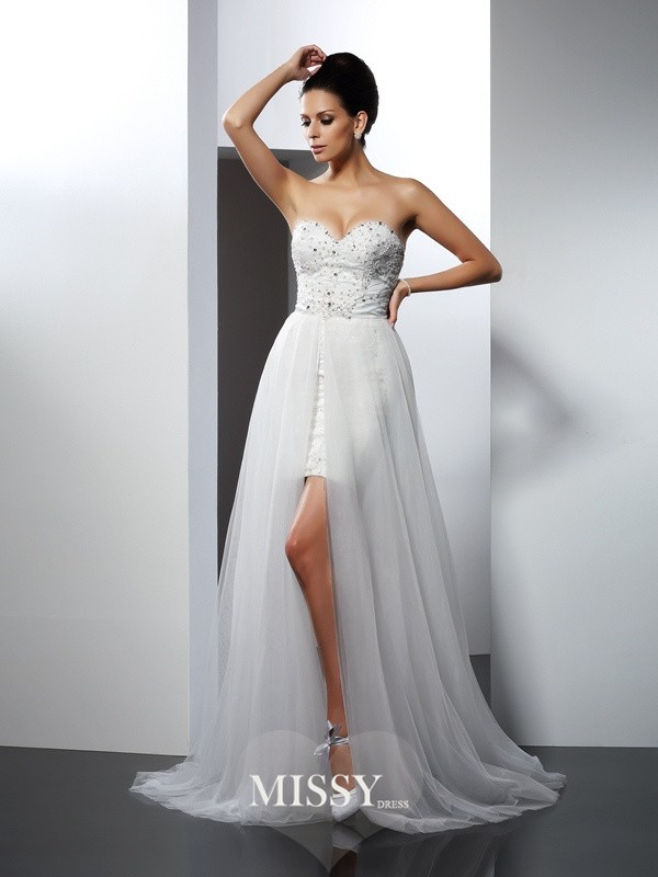 A-Line/Princess Sweetheart Applique Chapel Train Tulle Wedding Dresses