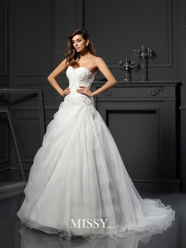Ball Gown Sweetheart Organza Chapel Train Ruffles Wedding Dresses