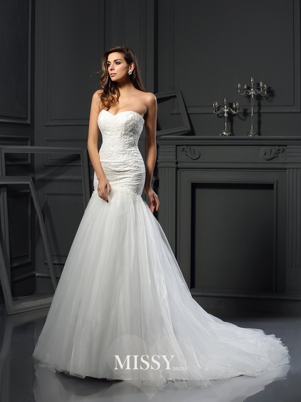 Trumpet/Mermaid Sweetheart Tulle Chapel Train Applique Wedding Dresses