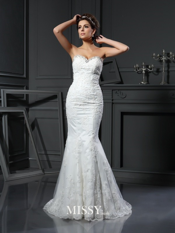 Sheath/Column Sweetheart Beading Net Court Train Wedding Dresses