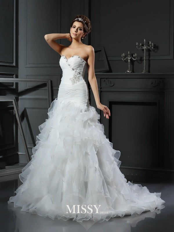 Trumpet/Mermaid Sweetheart Organza Ruffles Chapel Train Wedding Dresses