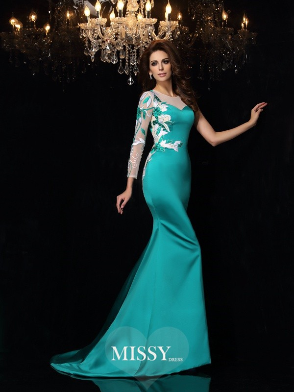 Trumpet/Mermaid Sleeveless Scoop Beading Court Train Satin Gowns